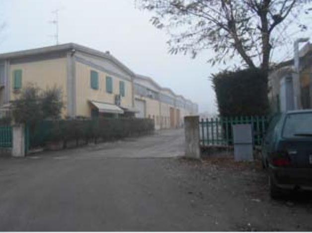 Capannone in Cadelbosco di Sopra