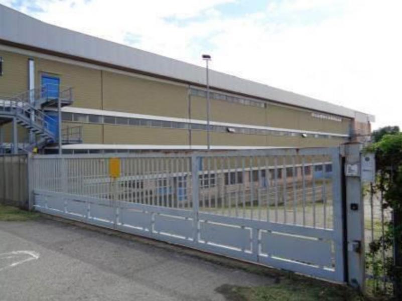 Complesso industriale di ampie dimensioni, ubicato su due comuni, in provincia di Novara