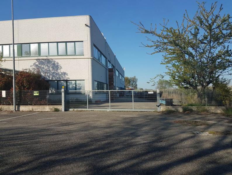 Capannone industriale ubicato al piano terra nel Comune di Castello D'Argile (BO)