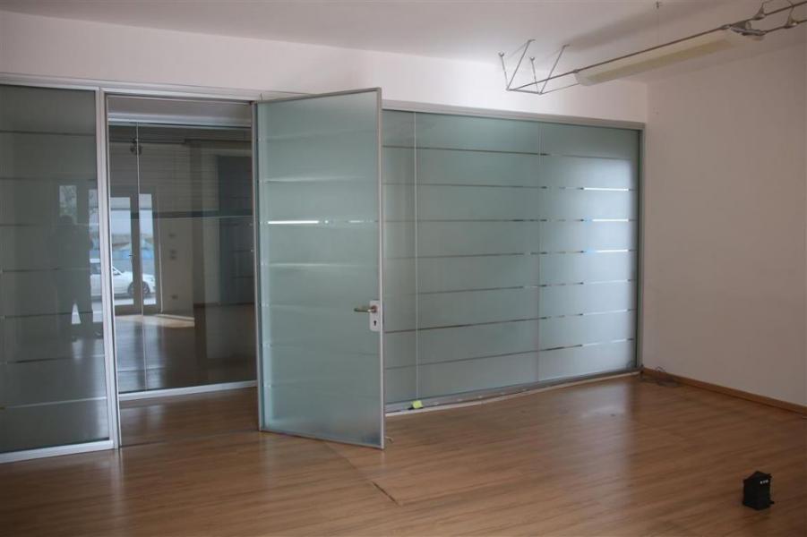 Immobile a destinazione industriale con uffici, in Chiampo (VI)