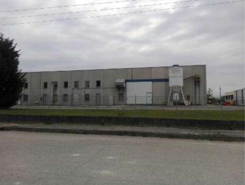 Due porzioni di un fabbricato, ad un piano fuori terra, con destinazione d'uso industriale, in Roveredo in Piano (PN)